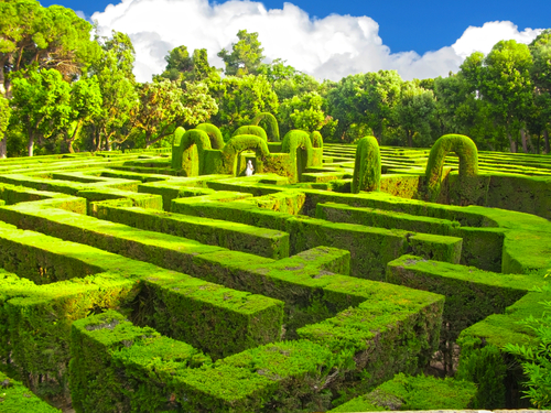 Garden Mazes And Labyrinths What 39 S The Difference