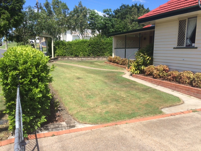 """After"" photo of a lawn mowed in Oxley © GreenSocks"